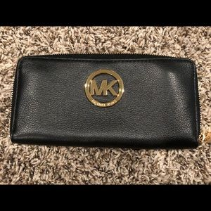 Michael Kors Fulton Zip Continental Wallet Black